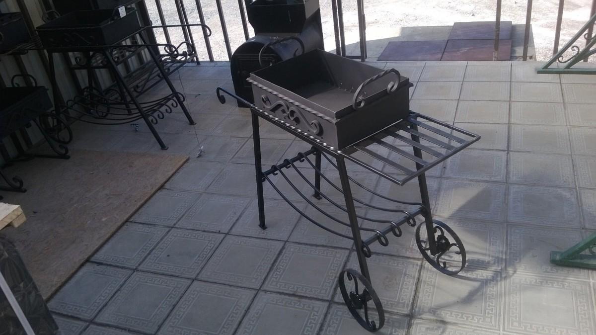 Мангал на колесиках (малый)